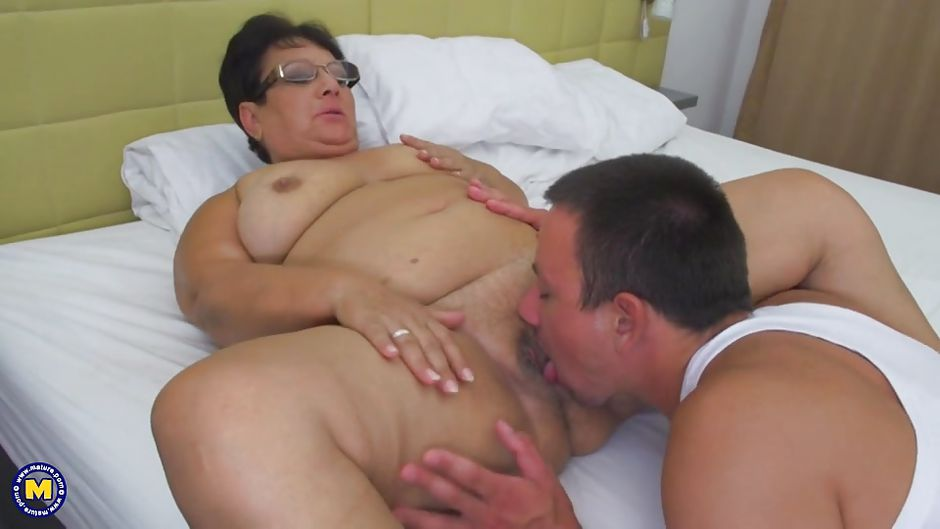 fat-pussy-eating-amateur-sex-with-strangers