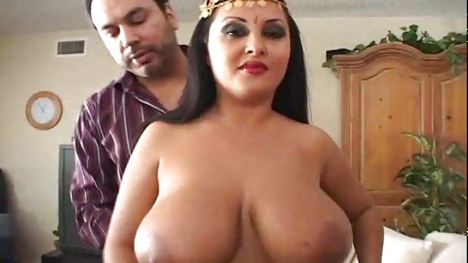 Big tit bbw lexxxi luxe fucks the latino gardner - 1 part 5