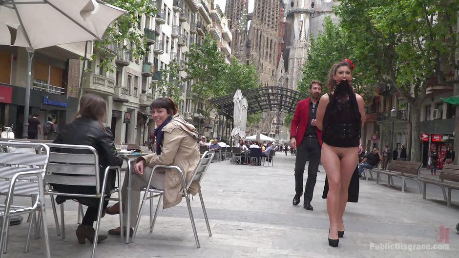 Публичное унижение на улице смотреть онлайн