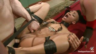 Slave Cunt Licks A Wet Pussy