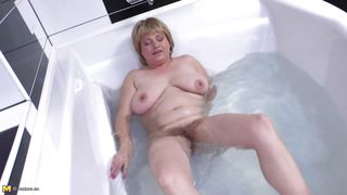 Mature Nl-My Everyday Bathing Ritual PornZek.Com