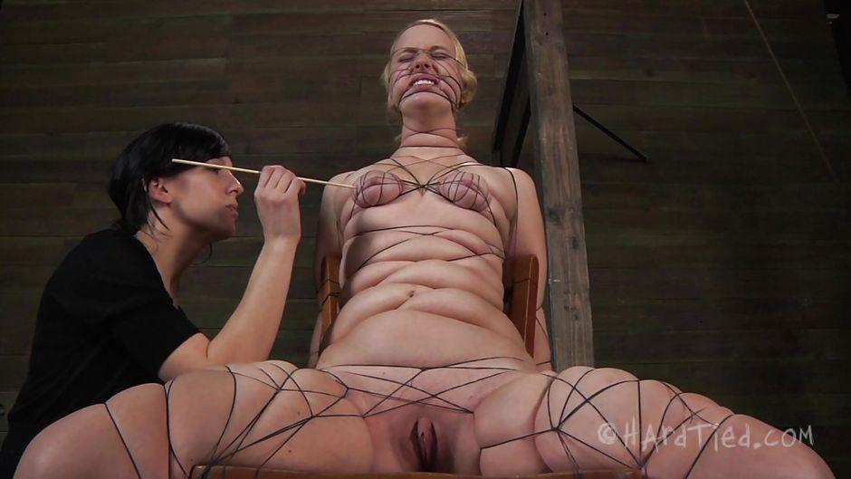 sexy nude emo babe