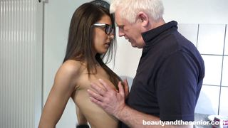 Old Man Teaches Sex Lessons To Carolina