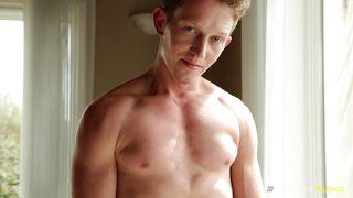 Sexy Gay Stud Beats Off On Camera