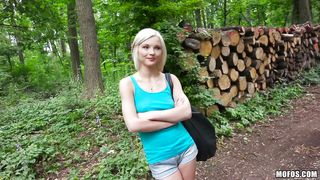 I Seduced The Daughter Of A Woodcutter
