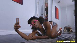 Ebony Babe Was Taking Sexy Selfies