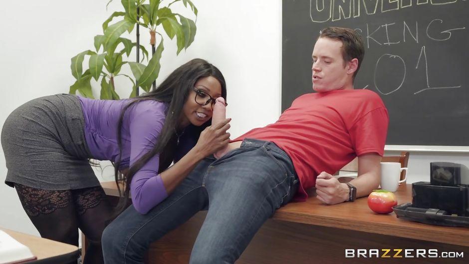 Teen Ebony Sucking Dick