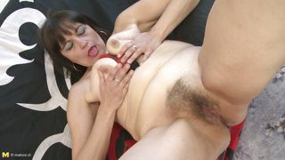 Hairy Pussy Mature Wants To Play