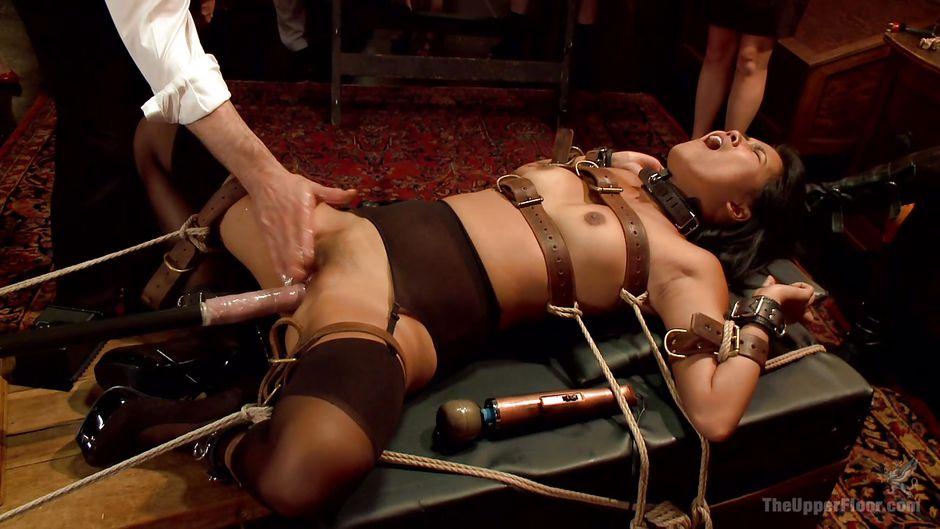 Превратили в рабыню видео