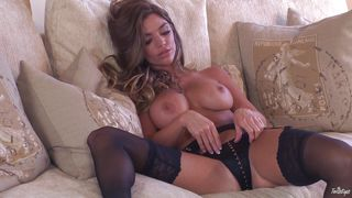 Slutty Babe Niki Masturbates In Front Of The Camera