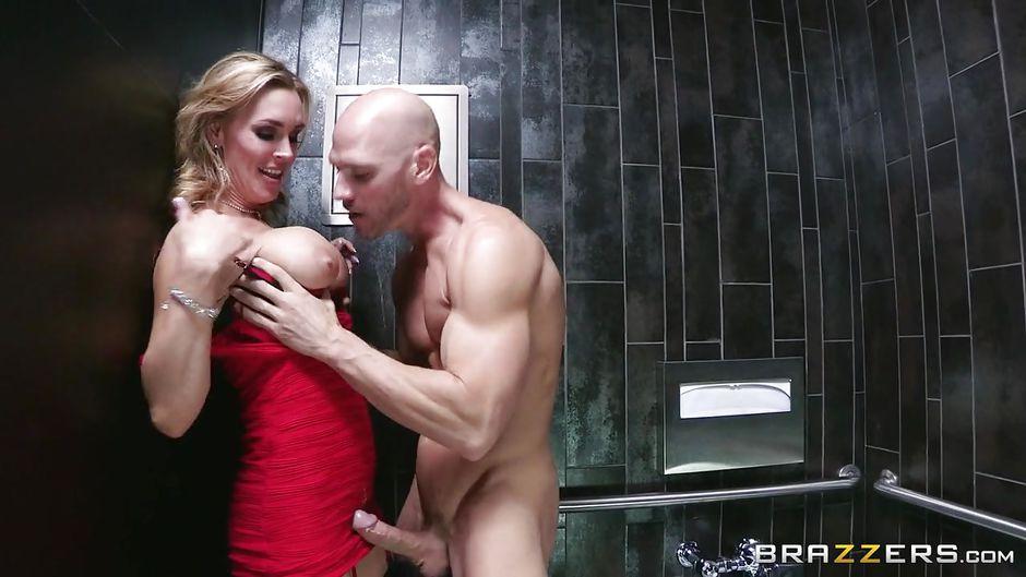 Brunette milf amanda sucking huge white cock outdoors - 2 part 5