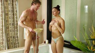 Bath And Kinky Massage Time