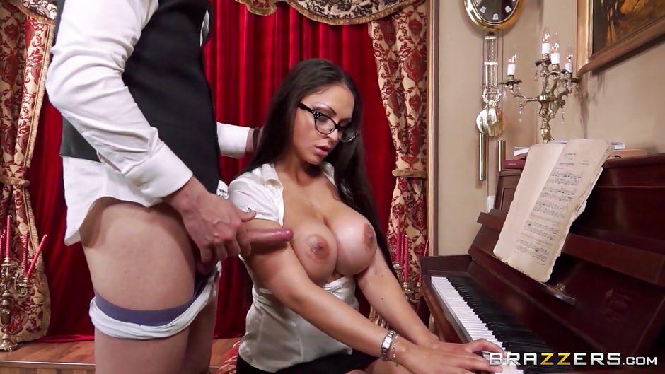 Видео секс на пиано, порно сайт фото групповое