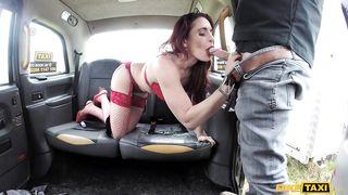 Fiery Hottie Gets Fucked In The Taxi