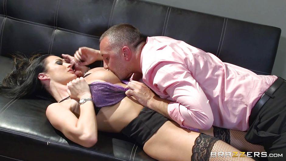 Big Natural Tits Public Sex