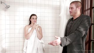 Jodi And Xander Fight For A Spot In The Bathroom  Sibling Rivalry