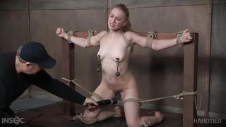 Blonde Sub Nipples Tortured While She Squirts