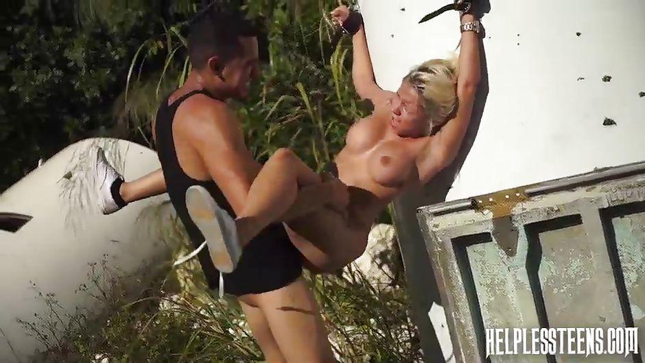 Mature white slut gangbanged by 4 blacks - 4 3