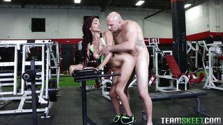 Team Skeet-Fucking The New Girl At The Gym PornZek.Com