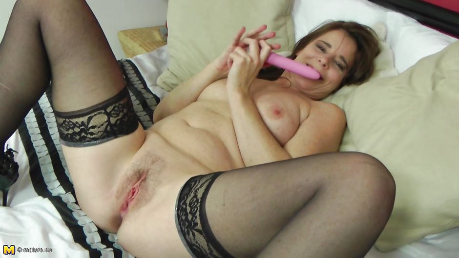 Hairy Brunette Mom Playing With Dildo Mature Eu At Only40 Com