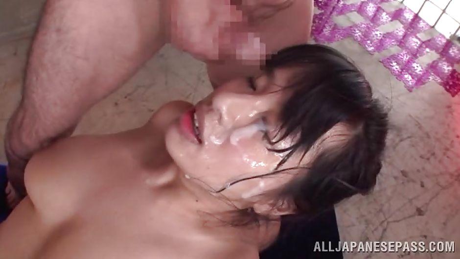 Кончил нарезки в порно нечаянно нее