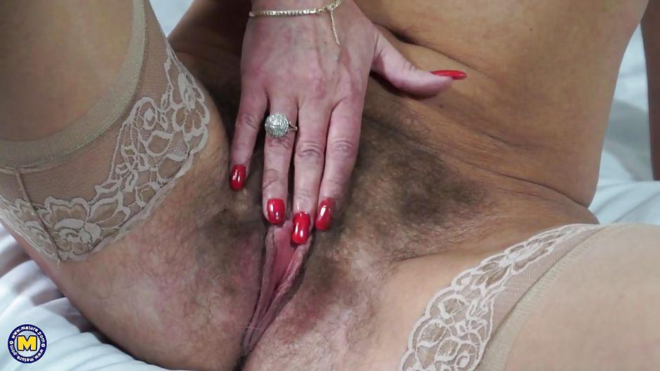 Вылизывающие большой клитор у зрелых женщин — photo 6