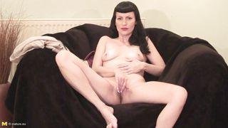 Mature Nl-Classic Beauty Mature Masturbating PornZek.Com