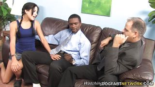 Dogfart Network-Lina Paige Enjoys Bbc Terapie While Her Father Watches PornZek.Com