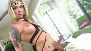 Oiled Up Tranny Jerking Off