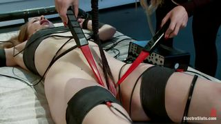 Electrocuting Her Pink Sweet Snatch