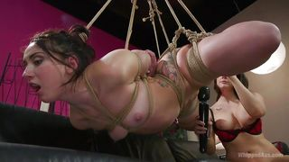 Juicy Pussy In The Ropes