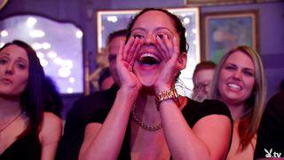 Swingers See A Vegas Show  Season 4, Ep. 9