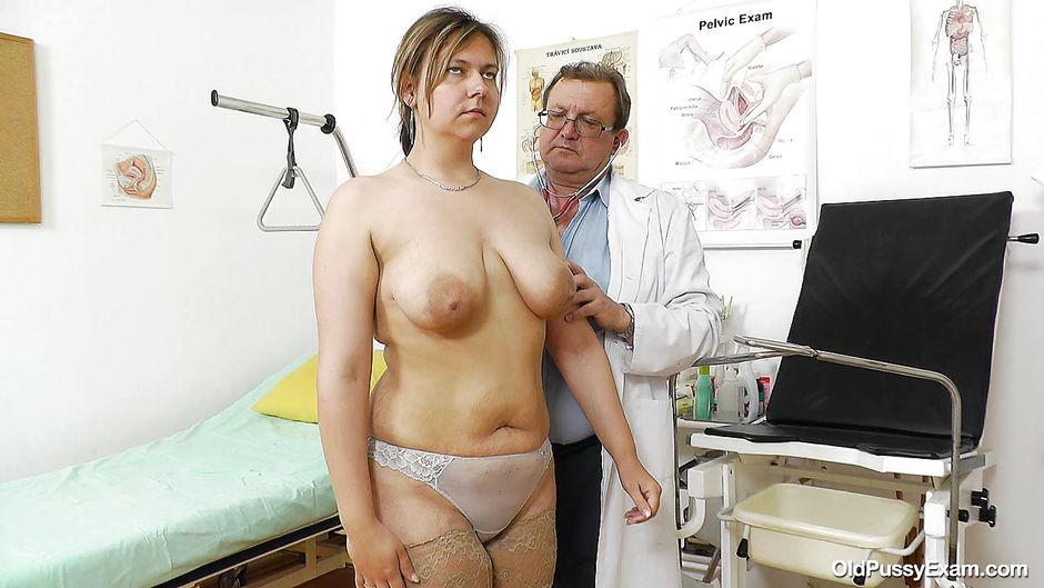 Lesbian gynecologist examines her hot patient 3