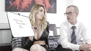 Blonde Tranny Will Face Fuck Her Coworker