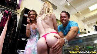 Blonde Cali Blows A Guy For Money