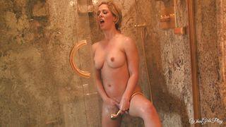 Cherie Feels Horny In The Bathroom