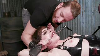 Sweet Natalie Gets Sucked Off In The Dungeon