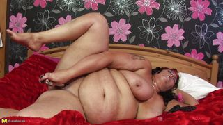 Mature Nl-Huge Whore Fucking Herself PornZek.Com
