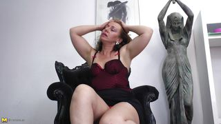 Mature Nl-Masturbating Is An Art That Involves Experience PornZek.Com