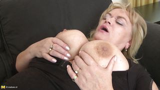 Mature Gets Boobsfucked And Fingered