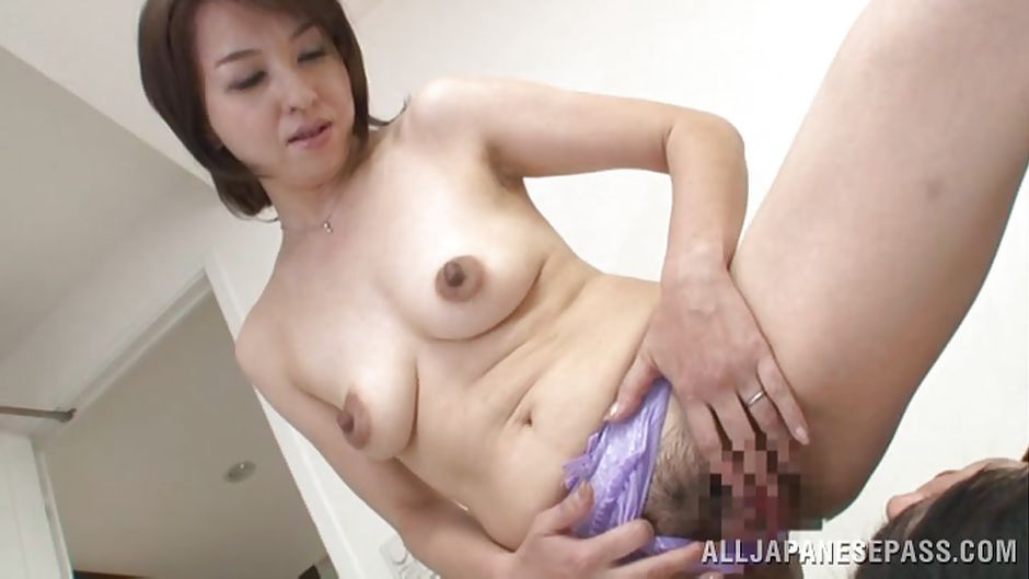 20 guys cum inside his wife039s pussy and he films - 1 4