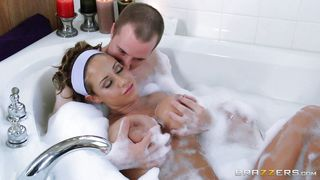 Big Tittied Milf Washes Up In The Tub
